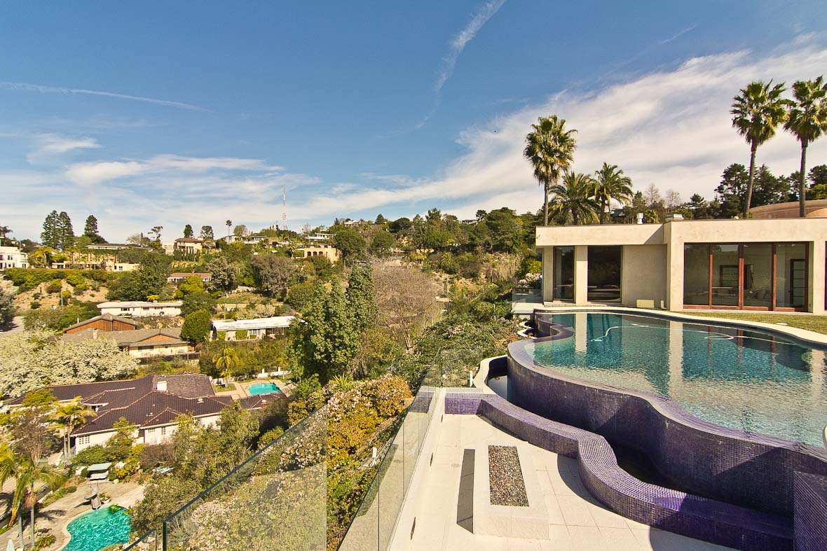 Los Angeles Film Location: Beverly Hills Beverly HIlls, Modern House