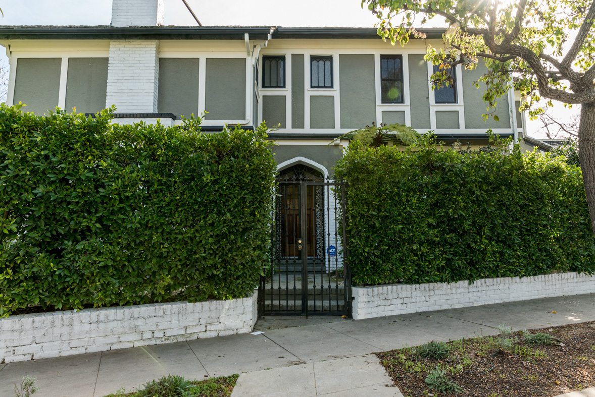 Los Angeles Film Location: Mid-City Los Angeles, Traditional House
