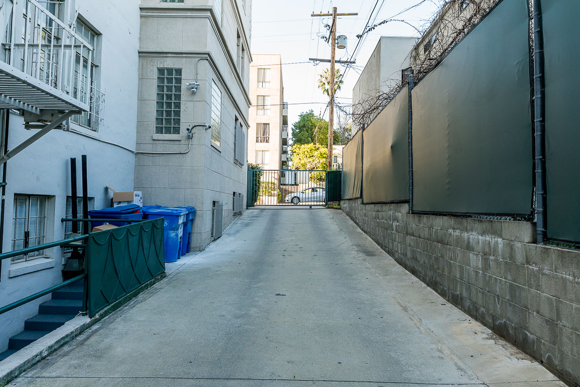 Los Angeles Film Location: Mid-City Los Angeles, Traditional Apartment